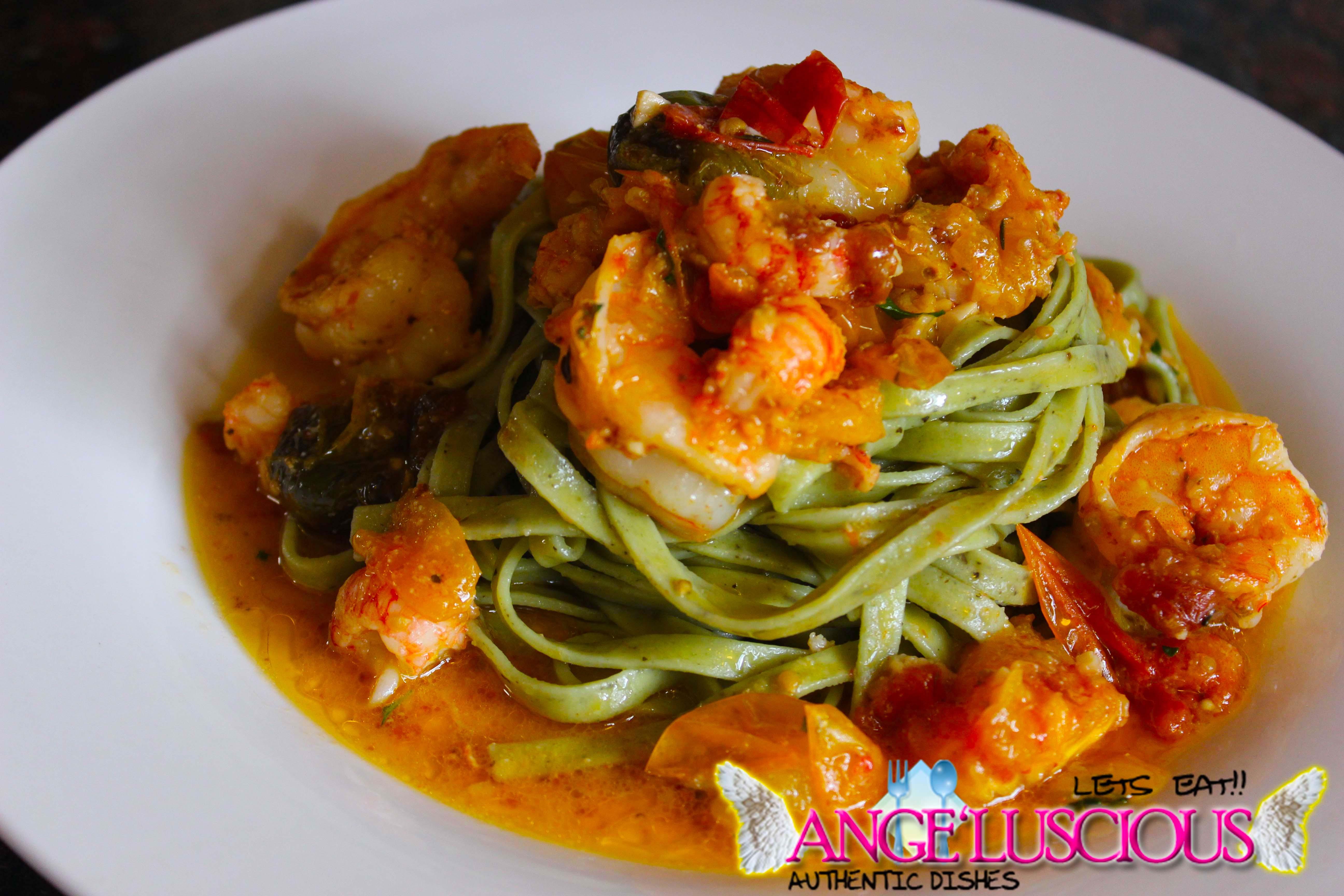 garlic shrimp and langostinos wih spinach fettucine IMG_7530